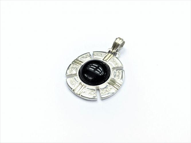 060ee46a9837 Medalla De Plata Y Oro Con Onix
