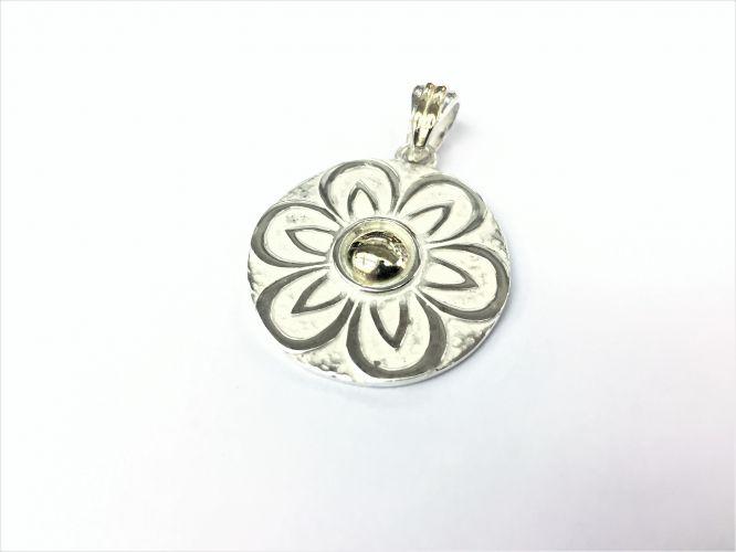3bd534fb54b6 Medalla De Plata Y Oro Flor