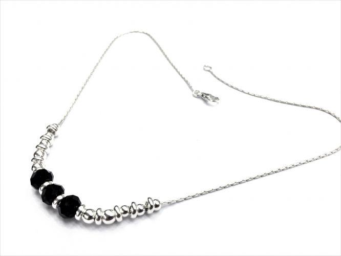6dd163ba2021 Collar De Plata Con Bolas De Plata Y Piedra Negra Facetada
