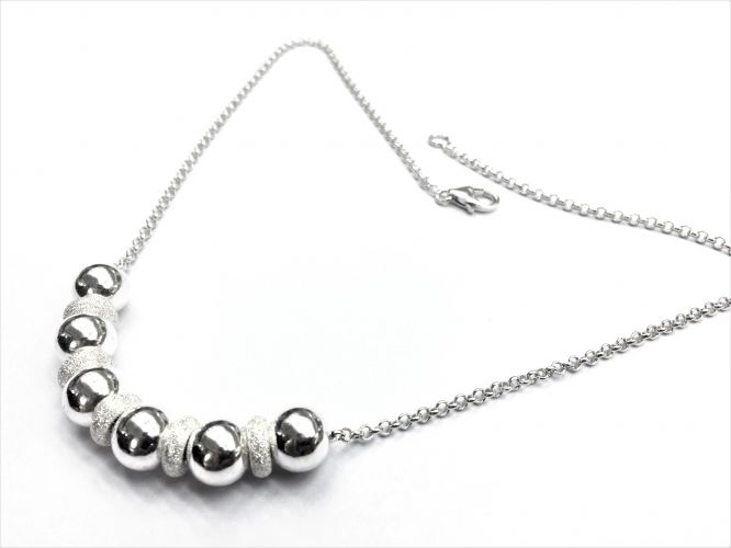 f17315a5c20a Collar De Plata Con Donas Picadas Y Bolas Grandes De Plata